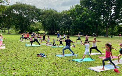 Yoga en famille à Singapour pour Klang Leu